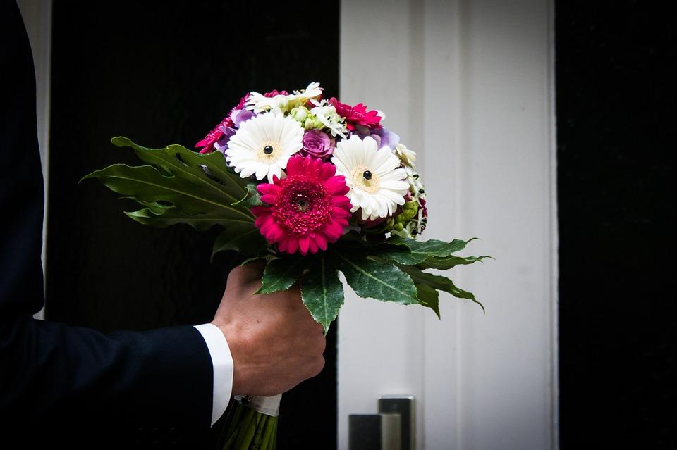Какие цветы подарить деве, букетов новосибирск